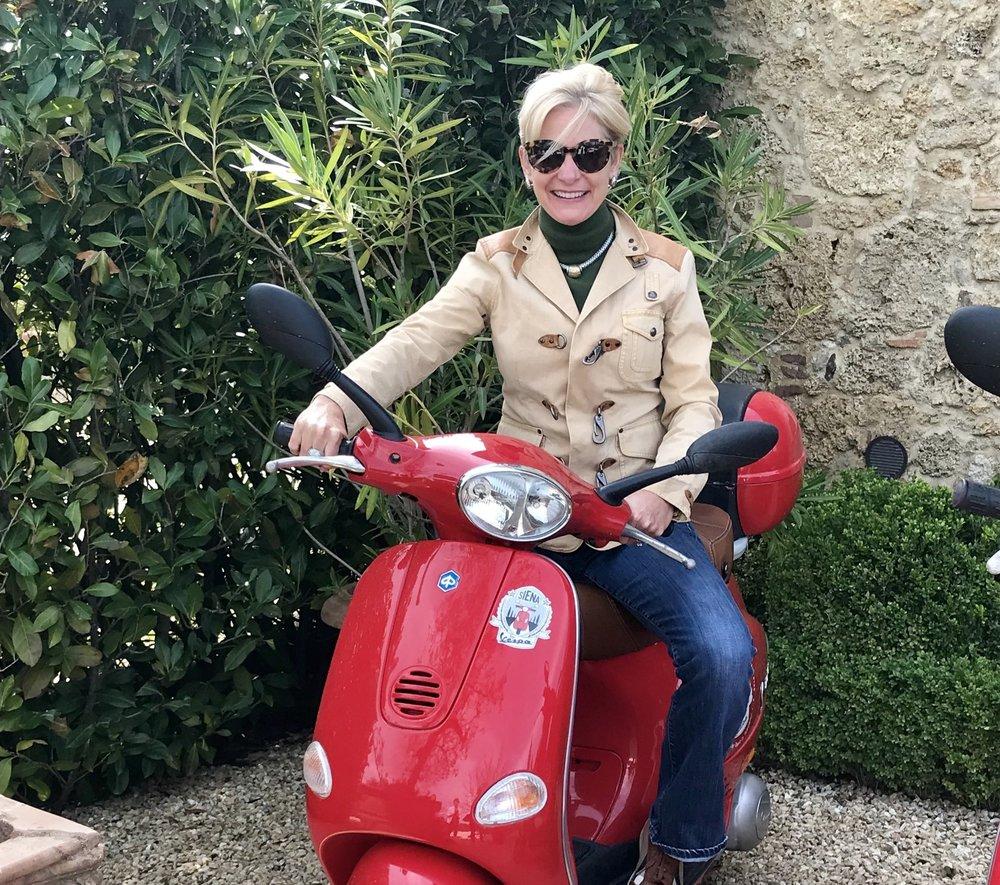 Mopeding in Tuscany