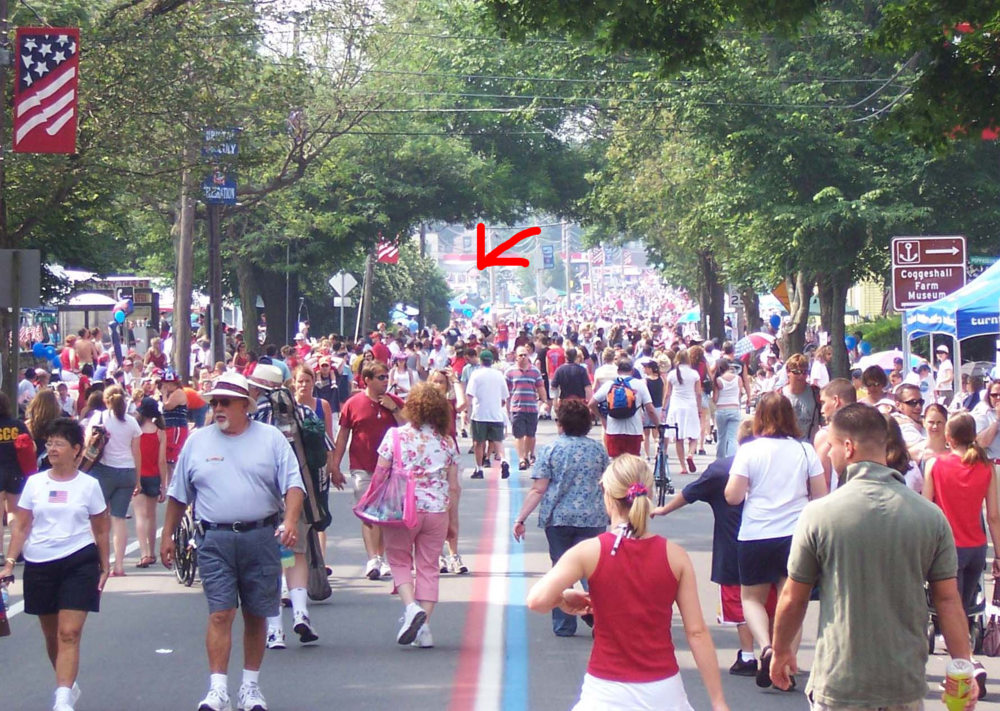 Bristol's 4th of July (post) Parade. The crowds disburse. The arrow points to Hope Diner.