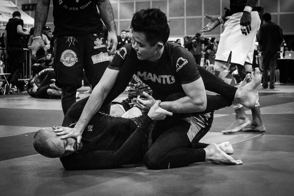 The second most feared move in BJJ: face touching.