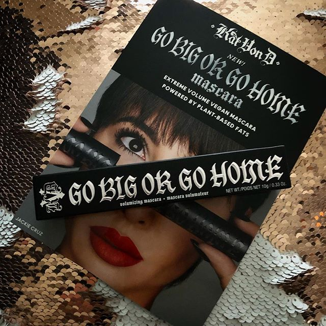 So lucky to receive the brand new #gobigorgohome mascara from @katvondbeauty. They take such good care of their Pro artists!! Would you guys be interested in seeing a review once I try it out? #makeup #makeupartist #promakeupartist #mua #promua #chicago #chicagomakeupartist #freelance #hustle #workhard #beauty #mascara #vegan #blessed #thankful #katvondbeauty #katvond