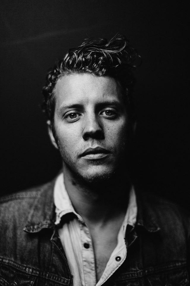 Anderson East     Bio    YouTube    Site