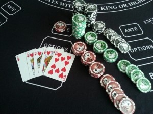 $10 ANTE, Royal Flush - Instant Cash Payout odds 600-1. Ante is paid $6,000