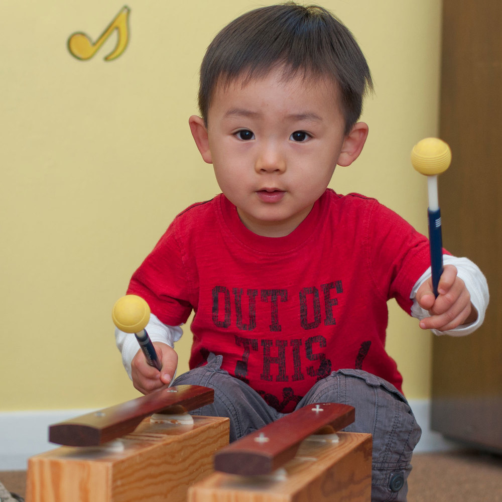 Grownup 'n Me, ages 0-4 A time for little ones and their grownup to sing, move, and play together. Promotes early musicianship while encouraging cognitive and motor development.