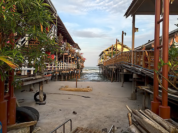 HH-Pier Restaurants.jpg