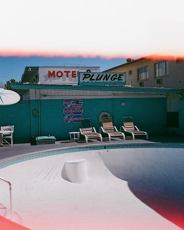SK8 Motel 8 M8  #fujisuperia400 on #contaxt2