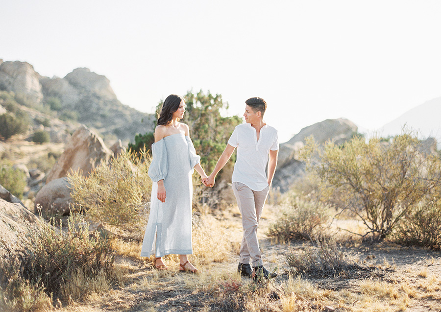 SALLY PINERA_JOSHUA TREE DESERT ENGAGEMENT SESSION-31.jpg