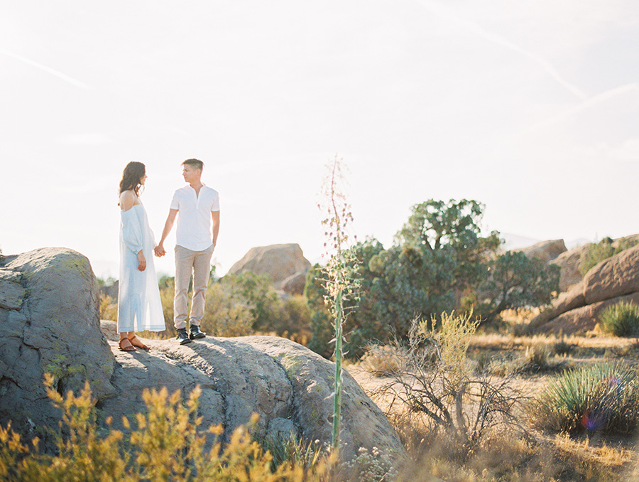 SALLY PINERA_JOSHUA TREE DESERT ENGAGEMENT SESSION-13.jpg