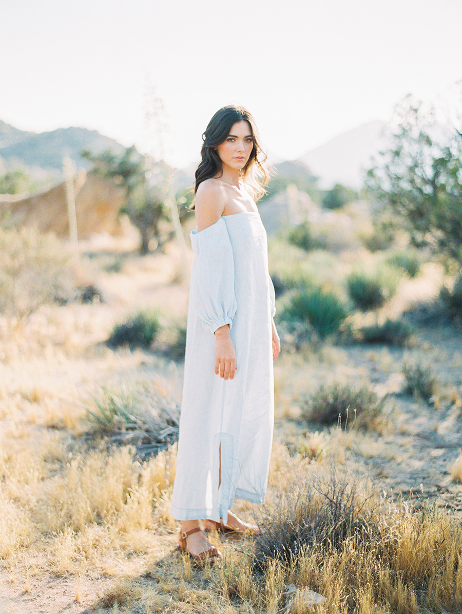 SALLY PINERA_JOSHUA TREE DESERT ENGAGEMENT SESSION-9.jpg