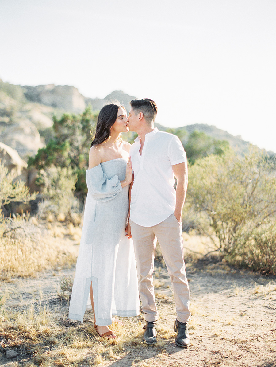 SALLY PINERA_JOSHUA TREE DESERT ENGAGEMENT SESSION-30.jpg