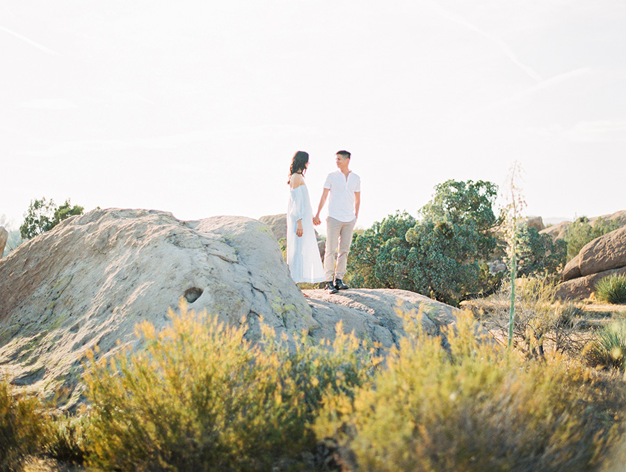 SALLY PINERA_JOSHUA TREE DESERT ENGAGEMENT SESSION-18.jpg