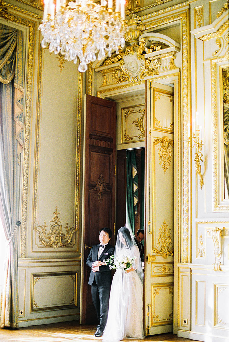SALLY PINERA_PARIS WEDDING-71.jpg
