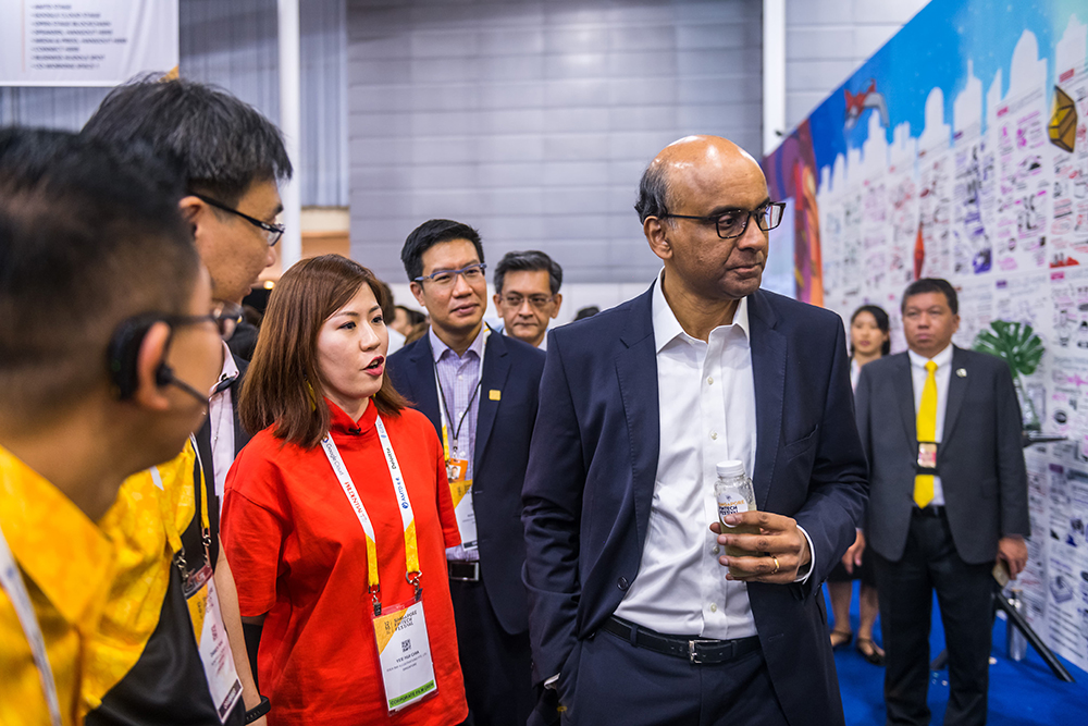 Mr  Tharman Shanmugaratnam , Deputy Prime Minister & Coordinating Minister for Economic and Social Policies of Singapore, Chairman of the Monetary Authority of Singapore (MAS)