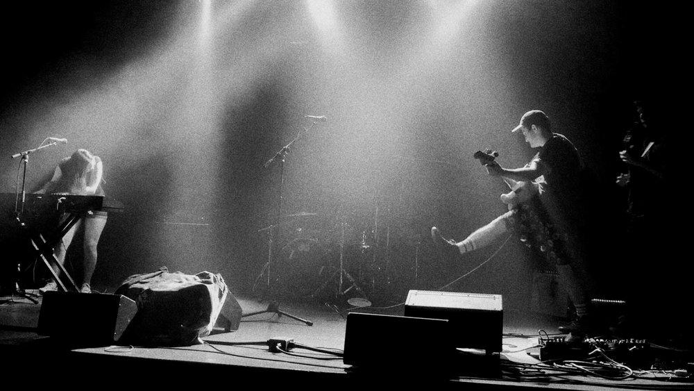 Tommy Live B&W2.jpg