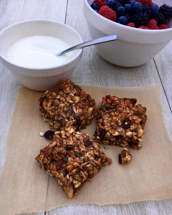 Nutty Granola Bars with Bio-live Yoghurt and Berries