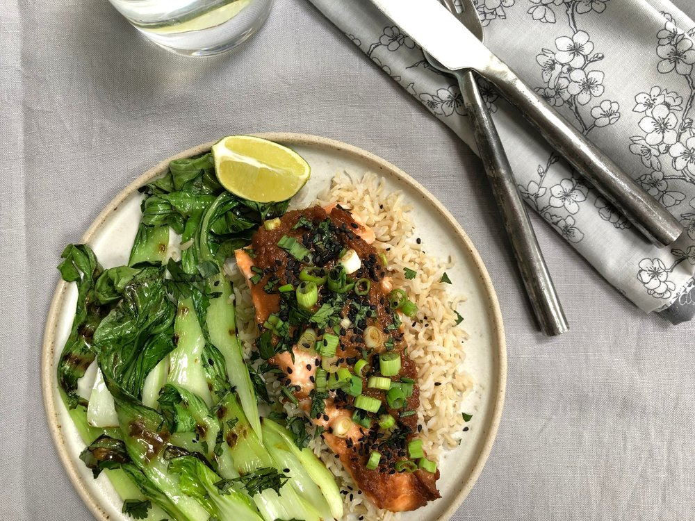 miso salmon with pak choi an sesame