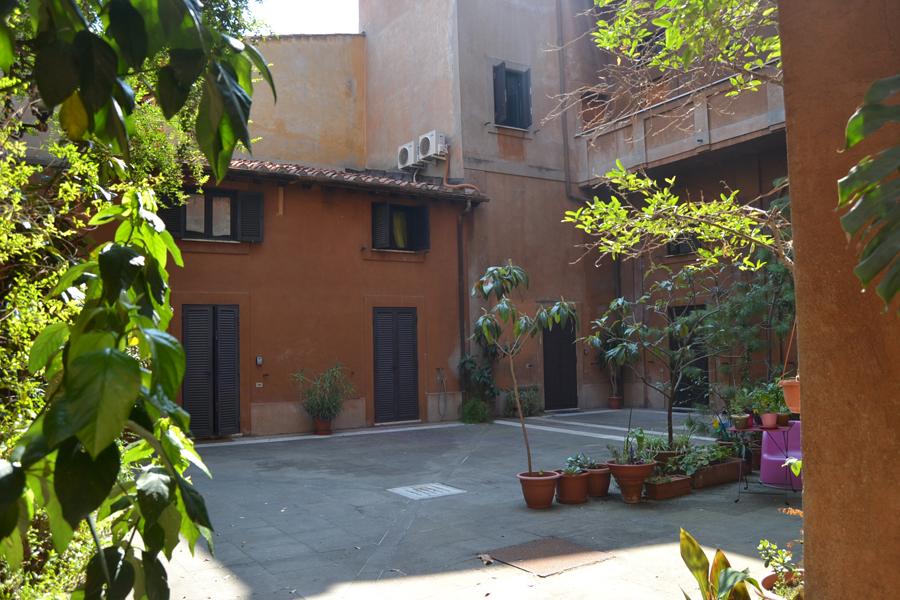Palazzo Velli Trastevere