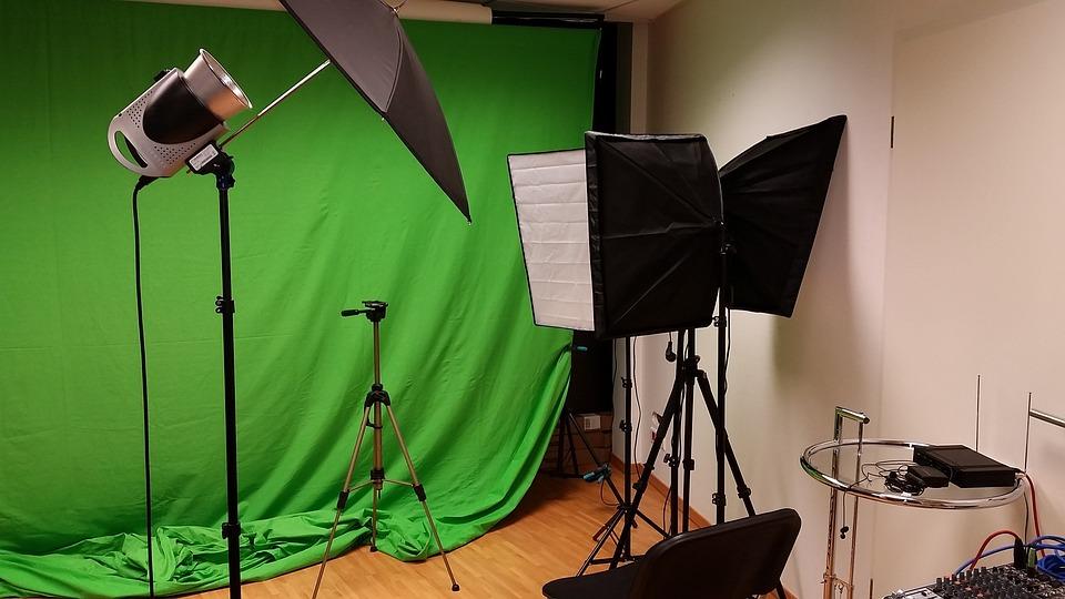 photo-studio-2423995_960_720.jpg