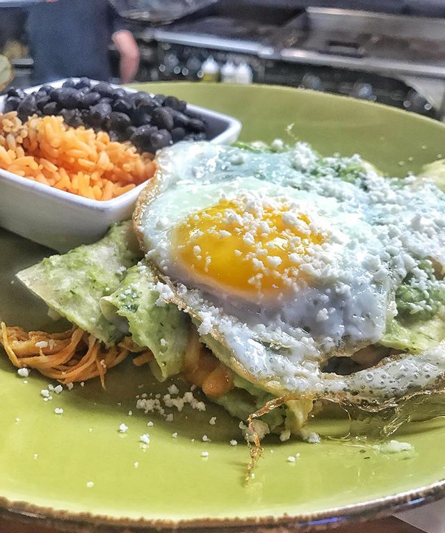 : Cure your Cinco de Mayo blues, with Seis de Mayo BRUNCH! 🍳🍾 . . . #sunday #funday #sundayfunday #brunch #cincodemayo #seisdemayo #enchiladas #fedhilleats #federalhill #sobo #baltimore #mybmore #banditosbk #forkithospitality
