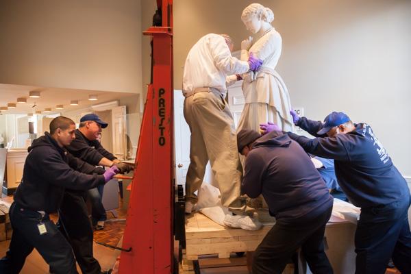 moving-statue.jpg
