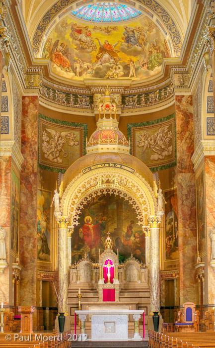 St._Josephat_altar.jpg