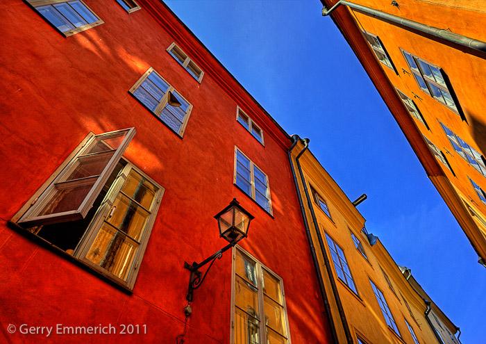 Colorful_Walls_in_Gamla_Stan_2.jpg