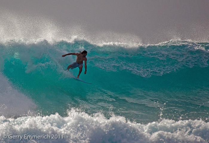 Wave_Rider_at_Sandy_Beach_2.jpg