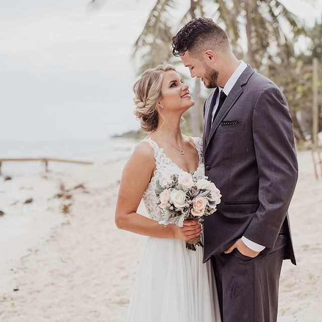 Happily ever after begins at the beach!! 🌊 #hairandmakeupbyjackiej 👰🏼@meganduty 📸@rebeccadavidsonphotography