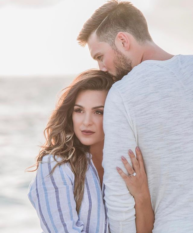 Home is wherever you are 💑 . . . . . 📸 @rebeccadavidsonphotography 🧜🏼♀️ @mbountyy  #hairandmakeupbyjackiej #engagementsession #eshootideas #beachshoot #goldenhour #shesaidyes #soontobemrs  #hairandmakeupartist #bridetobe #caymanstylist#weddingstylist #weddinghair #weddinghairideas #hair #bridalmakeup #beachwedding