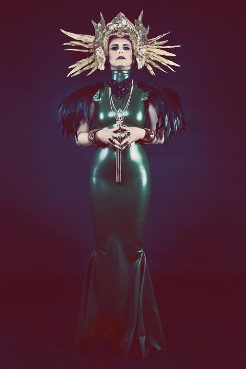 Queen1-web.jpg