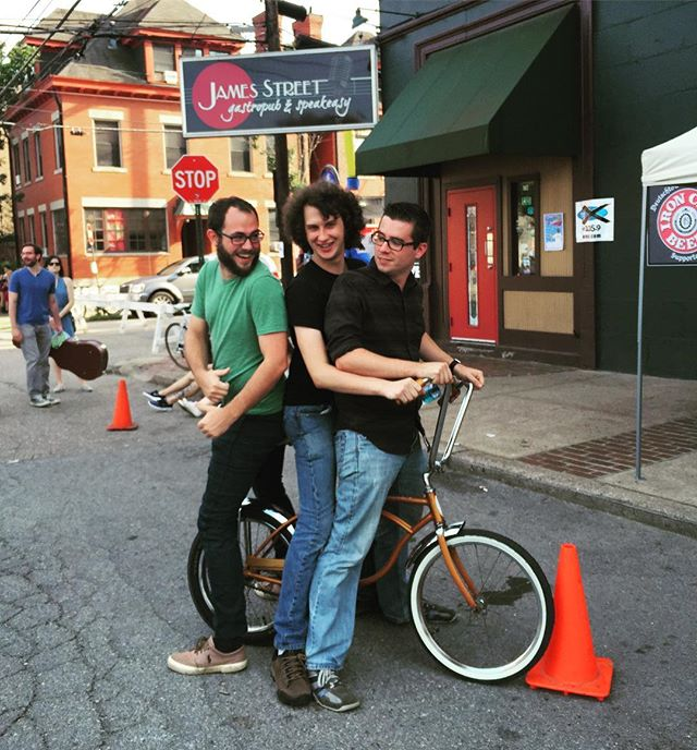 Throwback to @jamesstreetgastropub, c.2015.  Before the dark times, before the Empire.  We miss you already.  #weloveyou #wemissyou #weneedyou #obiwankenobi #jamesstreetgastropub #anchorbar #musicvenue #jazzclub #rocknroll #schwinn #bike #threedumbkids #pittsburgh #pittsburghscene #pittsburghmusic