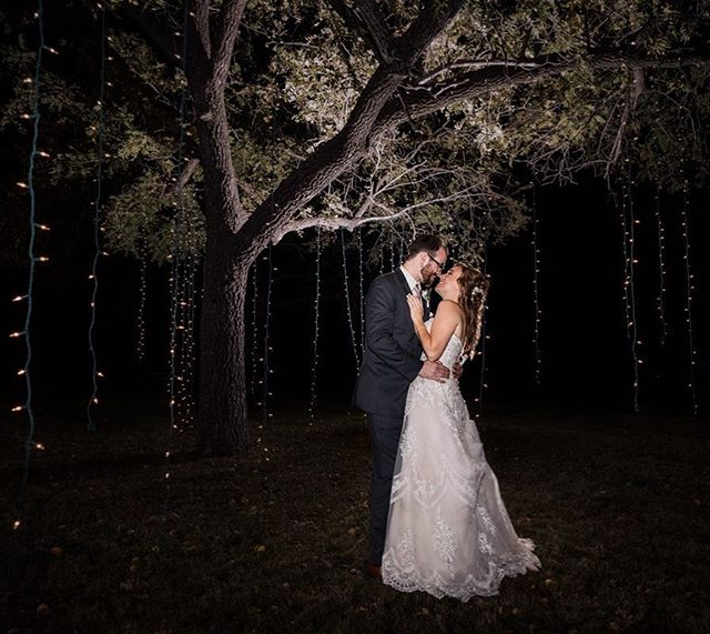 When it's already dark out and your couple wants a picture under a tree. We found a way to make it work!  #wichitawedding #engagementshoot #bridetrends #bridetobe #weddinginspiration #weddingideas #weddingfashion #modernwedding #luxurywedding #makemoments #photographyeveryday #artofvisuals #junebugweddings #risingtidesociety #magnoliarouge #dvlop #ict #levikeplar