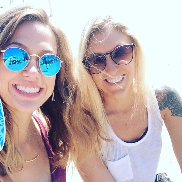 Beach babes #friends #break #tour #folklife #ocean #fronds @_huntingtonbeach_ #california