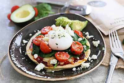 GLUTEN FREE BREAKFAST PIZZA WITH AVOCADO & POACHED EGG  I would eat this bad boy for breakfast, lunch AND dinner.
