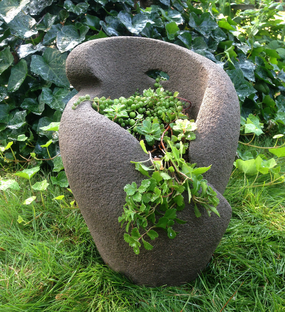Medium Concrete Pot 1.jpg
