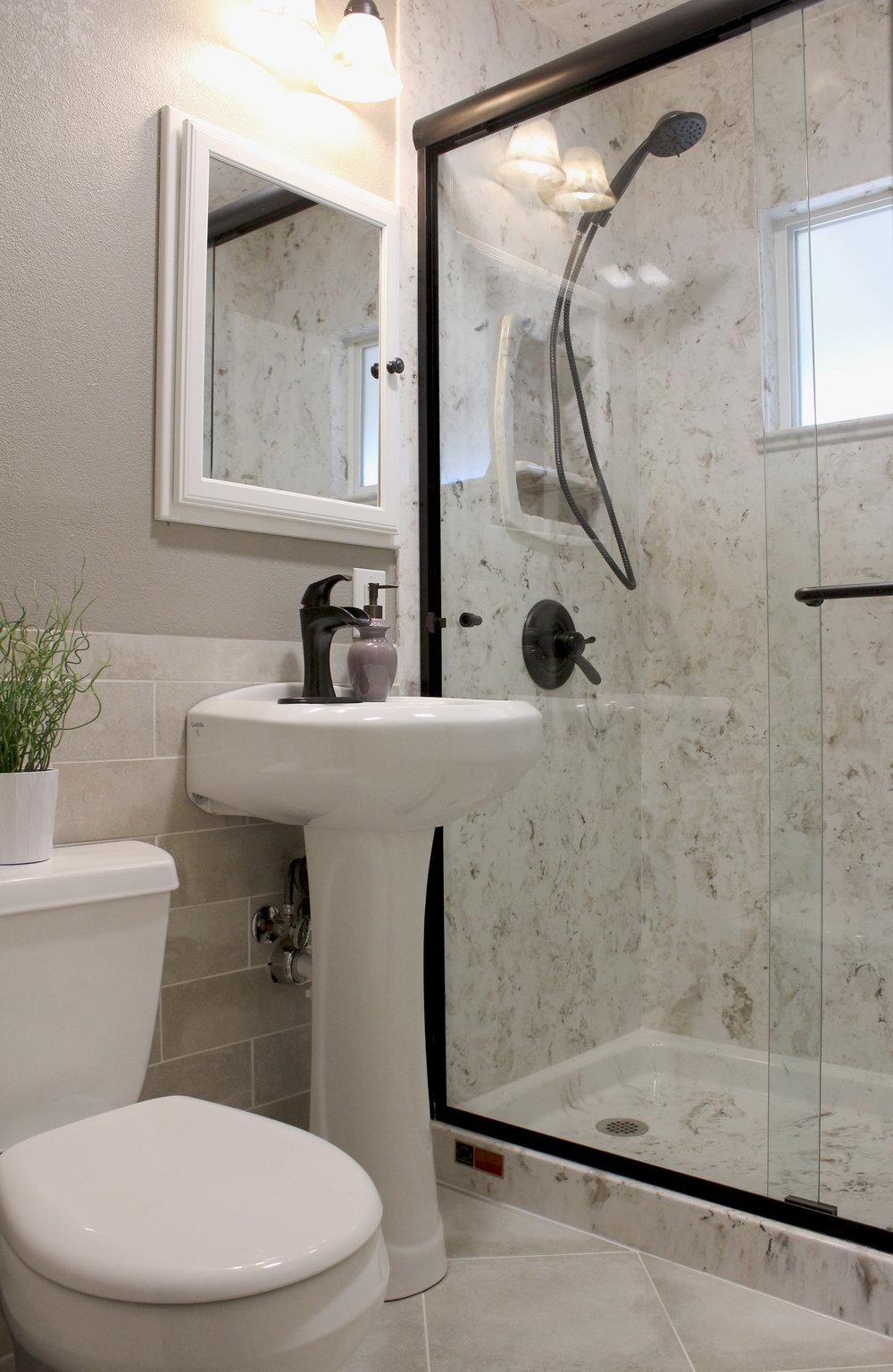 Bonito-Full bath-from door 33.jpg