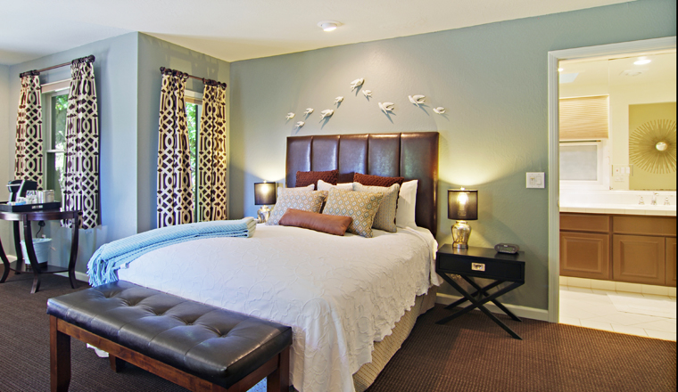 Artsts Bed.jpg