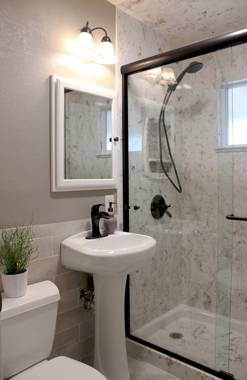 Bonito-full bath-from door 25.jpg
