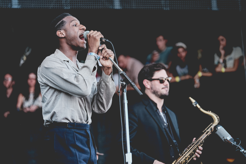 aclmusic_leonbridges_friday_sarastrick-2.jpg