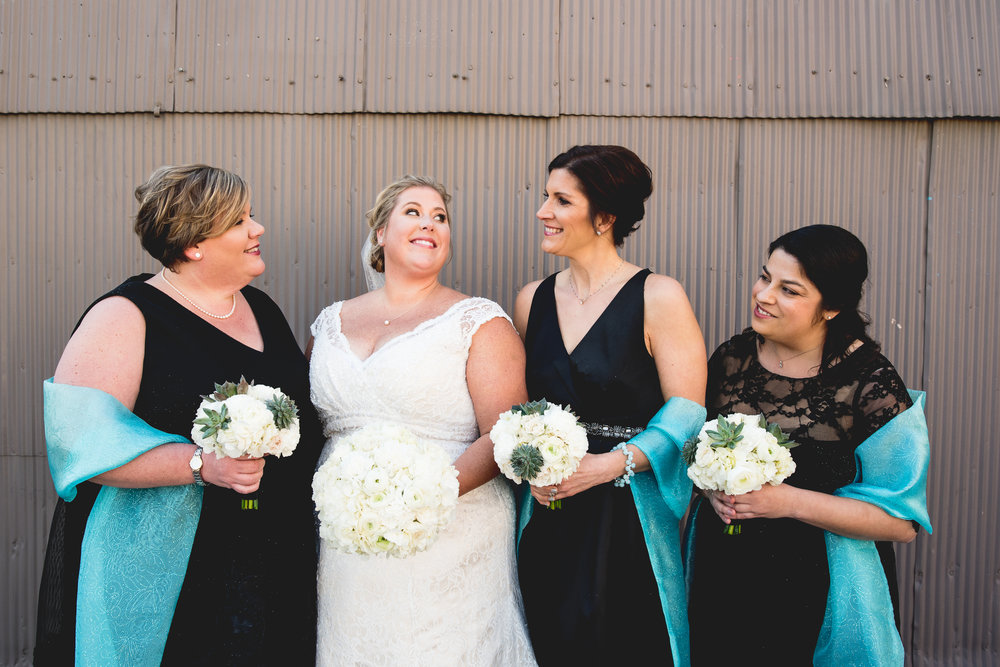 justin_beth-bridal-party02.jpg