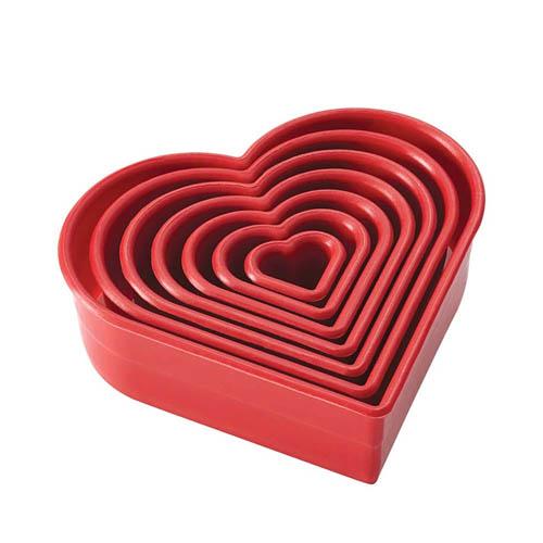 Cake-Boss-7-Piece-Heart-Cookie-And-Fondant-Cutter-Set_1_500px.jpg