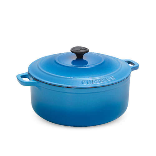 Chasseur-Riviera-Blue-Round-French-Oven-w-Lid-26cm-5-2L_1_500px.jpg