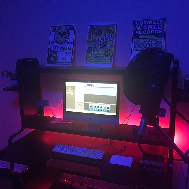 New studio. #TeamShakey