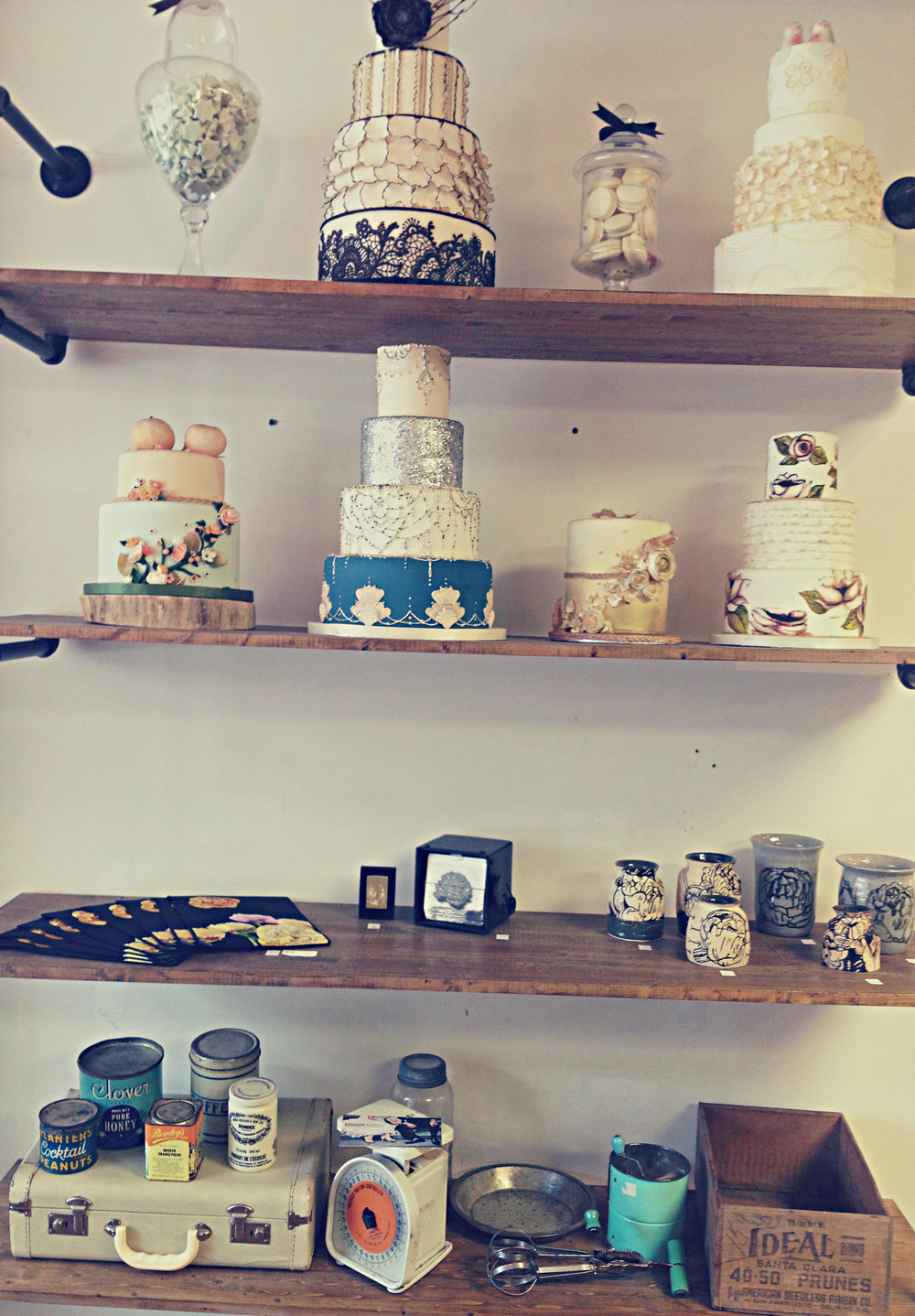 Honey Bake Shop | Cake Display