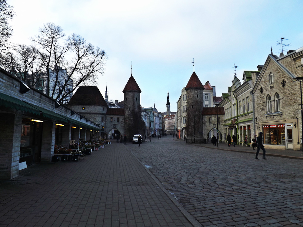 Walkway in Tallinn | Tall Girl Meets World