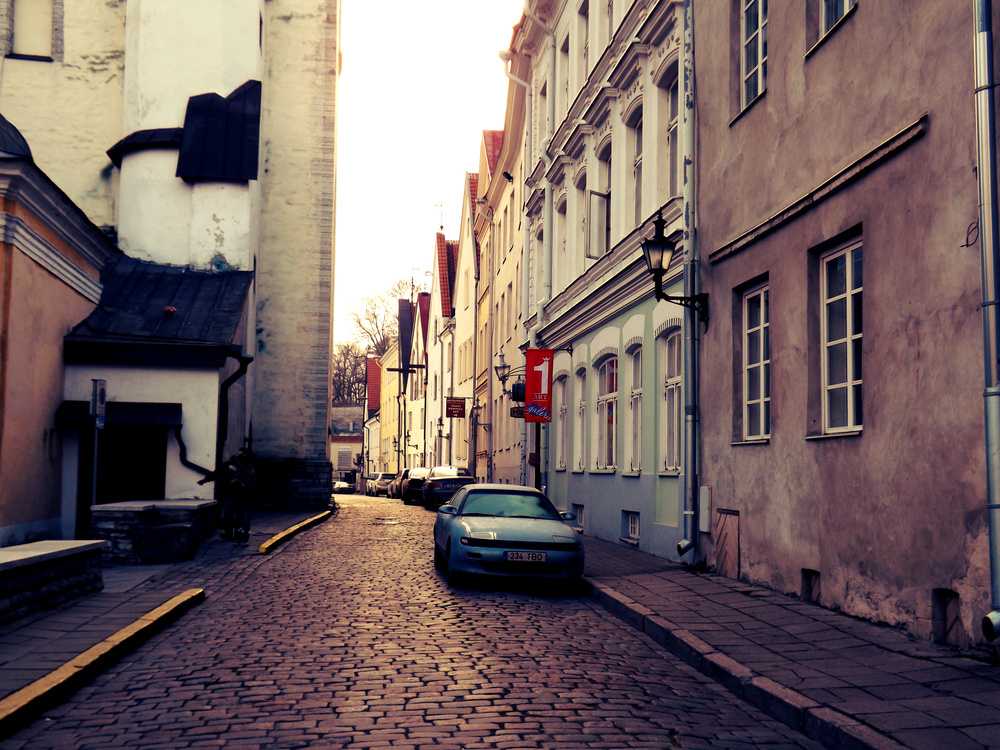 Tallinn Street | Tall Girl Meets World