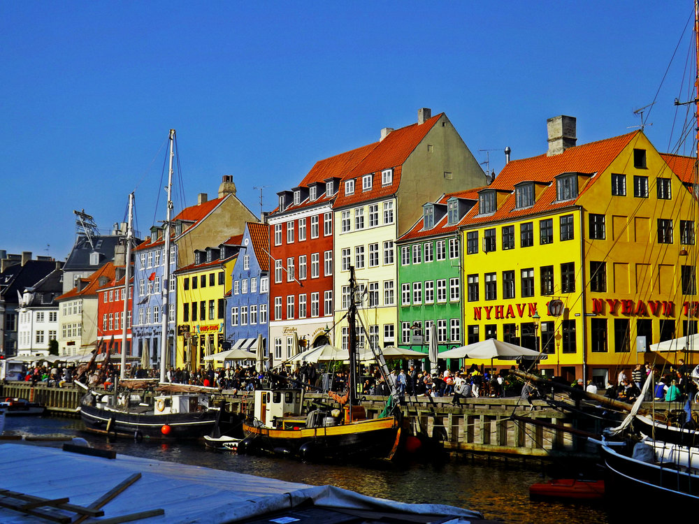 Bright Nyhavn Buildings | Tall Girl Meets World