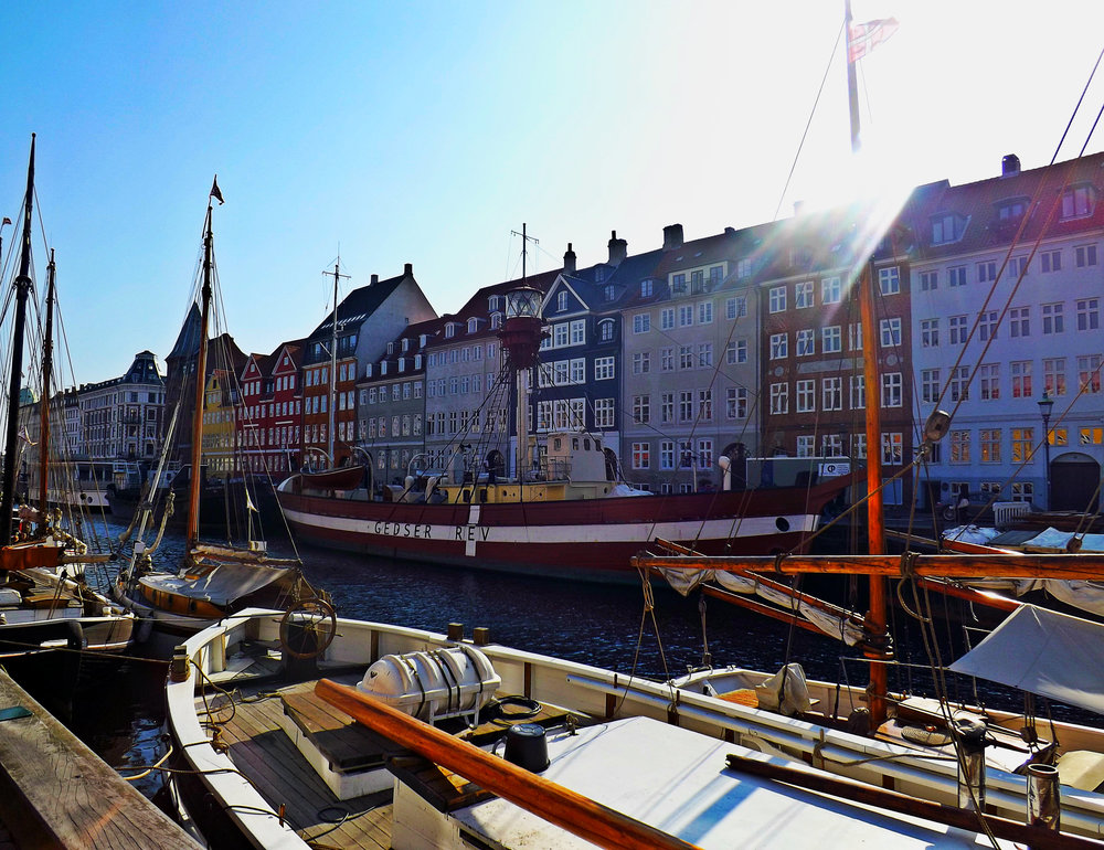 Sunny Day along Nyhavn | Tall Girl Meets World