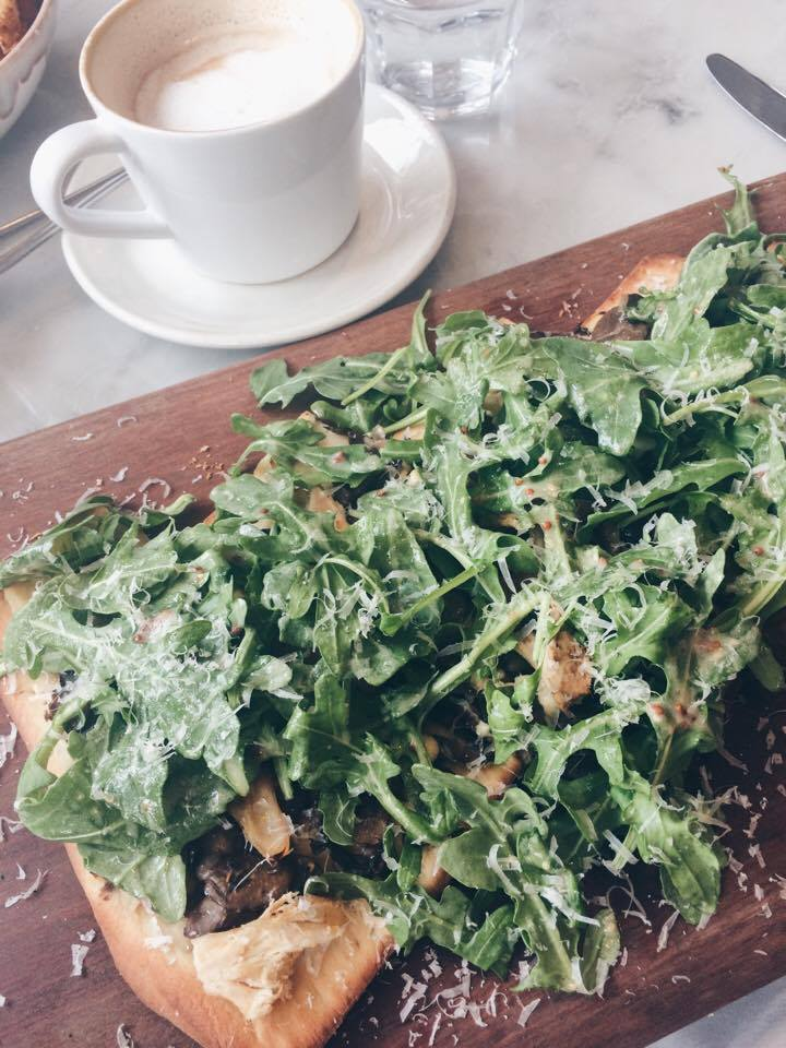 Arugula and Chicken Flatbread | Tall Girl Meets World