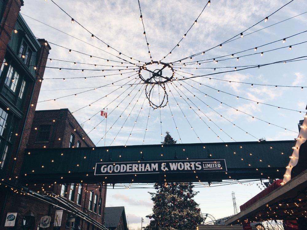 Toronto Christmas Market 2017 | Tall Girl Meets World