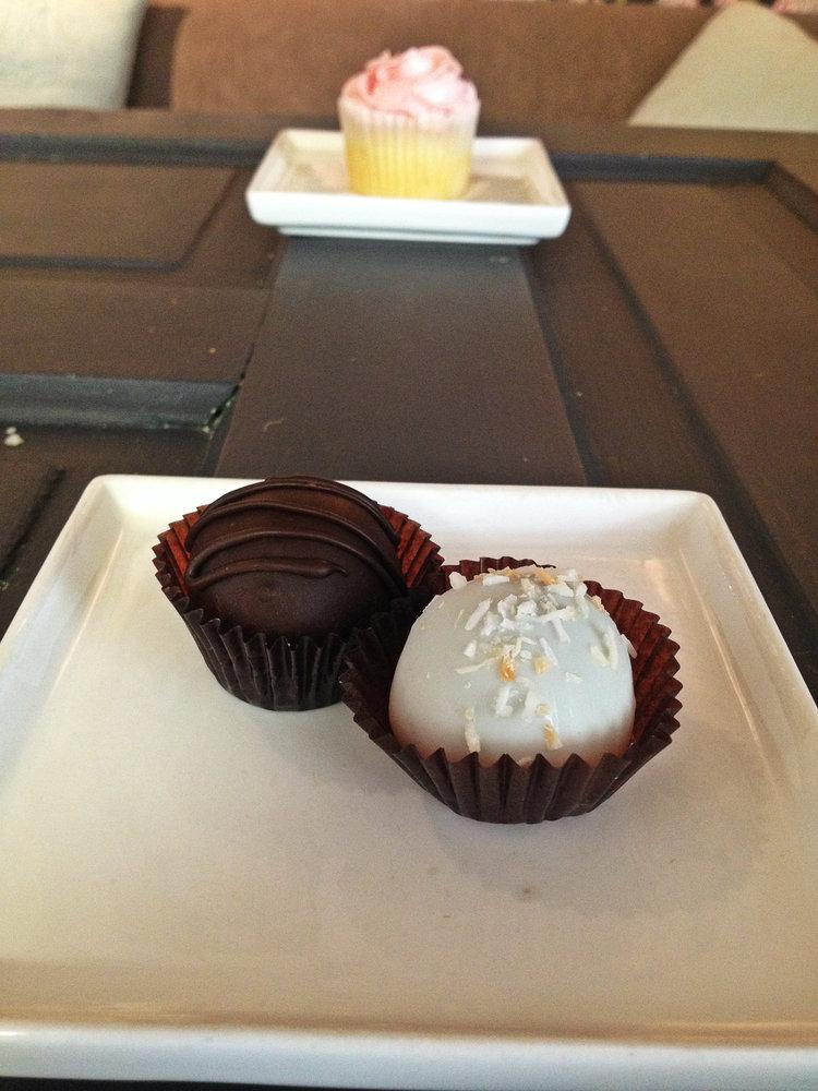 Cake Bites at Honey Bake Shop   Tall Girl Meets World